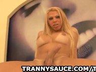 Sexy amateur blonde shema...