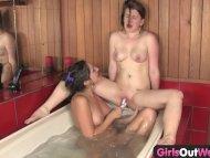 Hot Australian lesbians b...