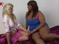 PornXN Petite blonde fist...
