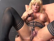 WildKat Plays With Her Bi...