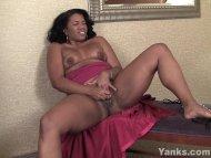 Amateur Ebony MILF Sydnee...