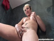 Sexy blonde MILF Tracy Ve...