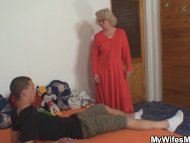 Wife finds him fucking mo...