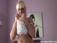Gorgeous UK blonde toys h...