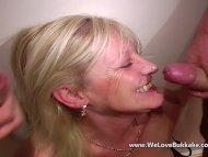 Older mature wife does bu...