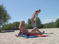 Nudist beach shows off tw...