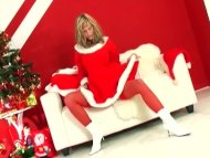Blonde does a holiday str...