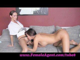 lesbiyanki-za-dengi-porno