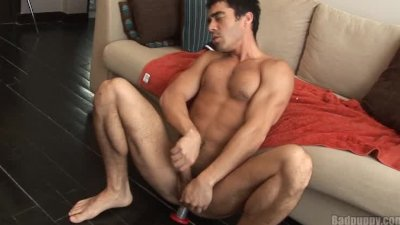 Latin stud cums with dildo