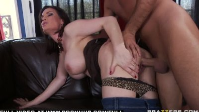 BIG TIT MILF MOM CHEATING PORNSTAR GETS ORGASM BY ANAL FUCKING.