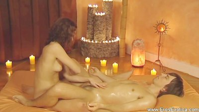 Relaxing and ecstatic lingam massage