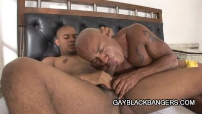Young Muscle Man Fucking A Big Black Daddy