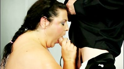 Fat matures wrestle for the ultimate opportunity to fuck