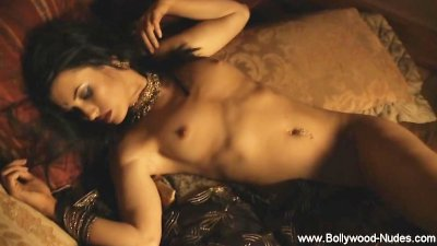 Hot Brunette Sexy Belly Dance