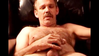 Robert Solo Jerk Off