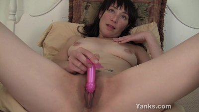 amelia plays with her pocket rocket
