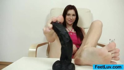 Cuddly brunette Kattie Gold handsome feet and legs