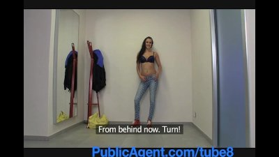 PublicAgent Super model wanna be is duped by photographer