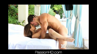 POOLSIDE PASSION-2