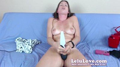 Webcam girl finger fucks pussy in stockings and heels