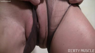 Blonde Mandy K Rips Her Pantyhose and Masturbates