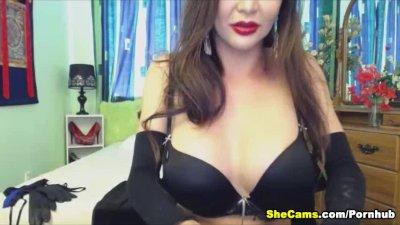 Busty Hottie Free Shemale Webcam
