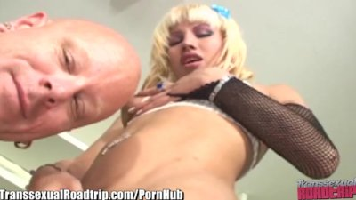 TS Roadtrip Teen Tranny Fucked in Ass
