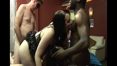 UK amateur gangbang party in a
