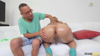 TS Zury Carrasco Has Her ASS Oiled and Fondled