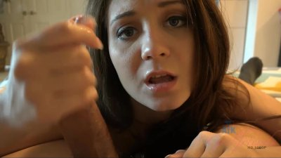 Jojo makes you jizz on her feet