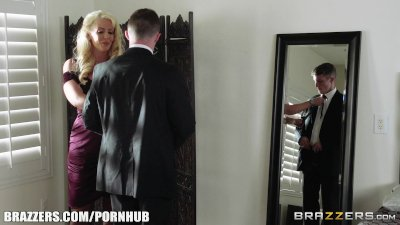 Brazzers - Sexy milf Alura Jen