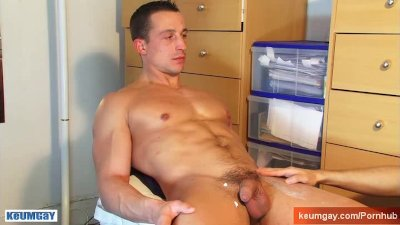 Cock wanker for a straight guy !