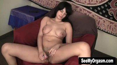 Busty Jiselle Vibrates Clit For Orgasm